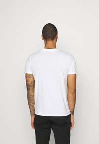 Burton Menswear London - TEE 3 PACK - T-shirt basic - black - 2