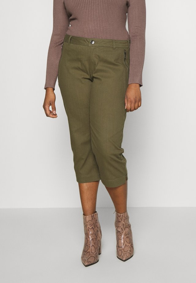 CAPRI WITH ZIP POCKETS - Trousers - khaki