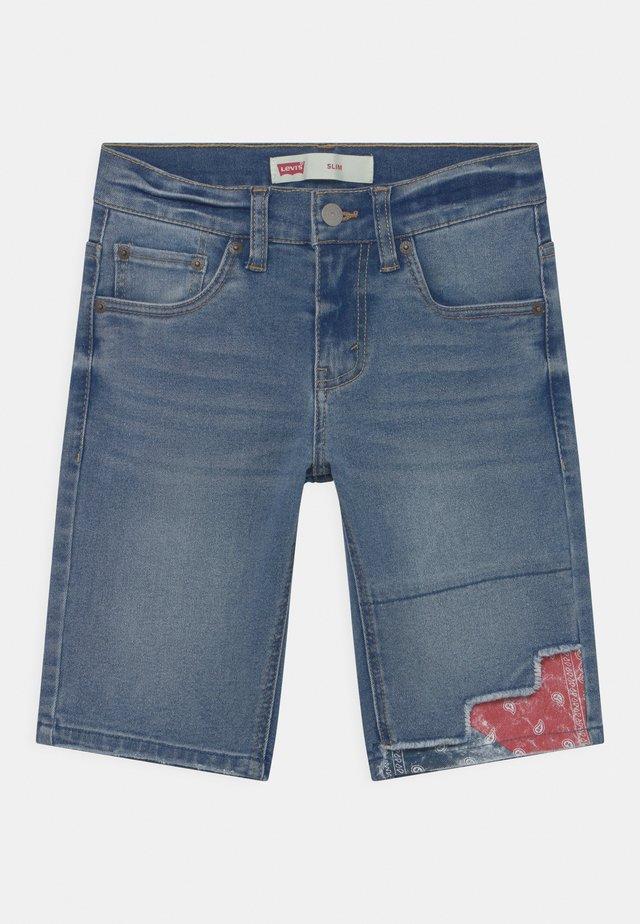 SLIM FIT ECO FLEX  - Shorts vaqueros - dark blue denim