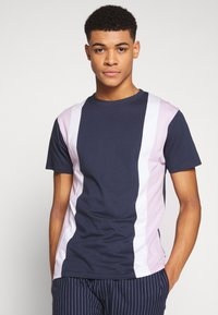 Bellfield - CU AND SEW TEE - Print T-shirt - navy - 0