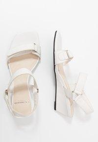 Vagabond - NELLIE - Wedge sandals - white - 3