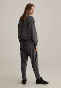 OYSHO - Kalhoty - dark grey - 2
