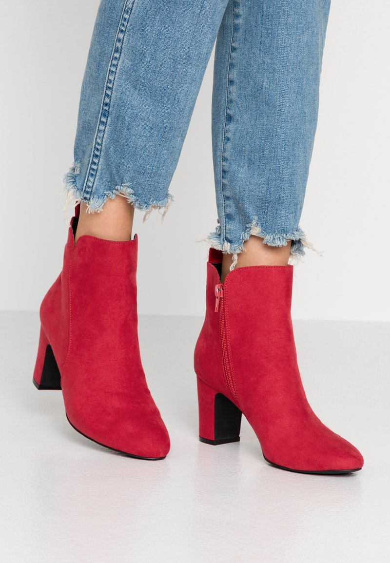 Bullboxer - Ankle boots - berry