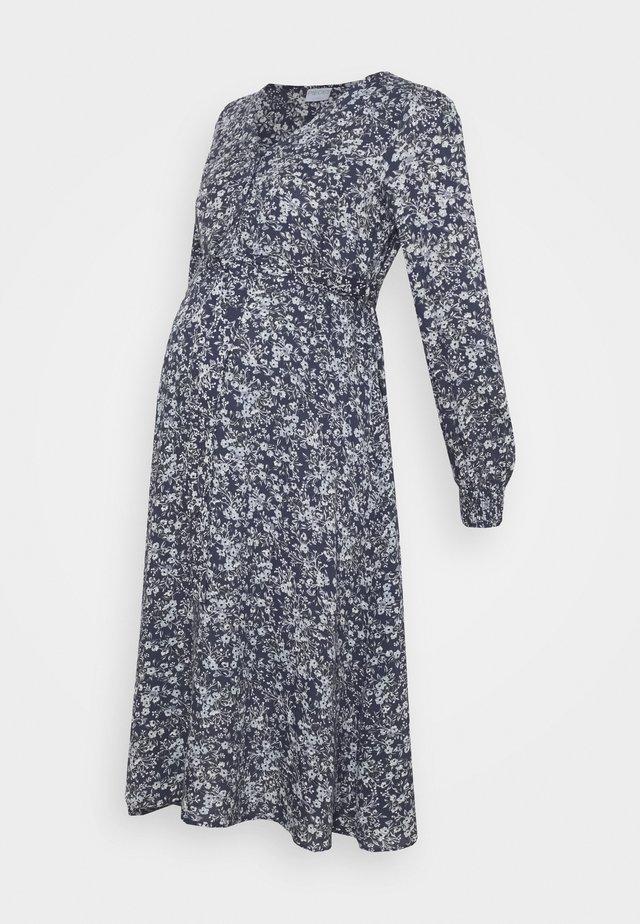PCMPAOLA - Vapaa-ajan mekko - ombre blue
