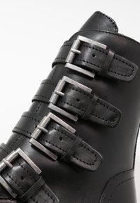 Marco Tozzi - Cowboy/biker ankle boot - black antik - 2