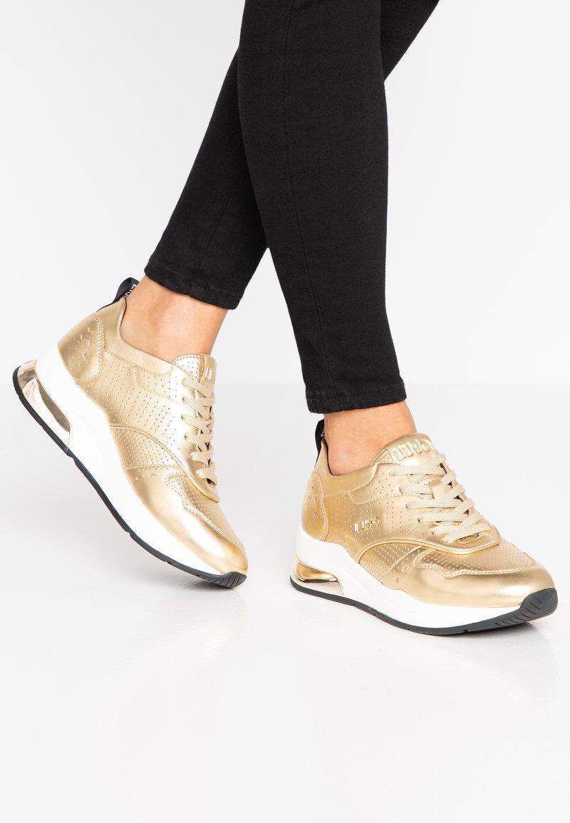 Liu Jo Jeans - KARLIE - Sneakers - metallic light gold
