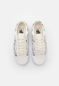 Vans - STYLE 36 UNISEX - Sneakers - classic white/black - 3
