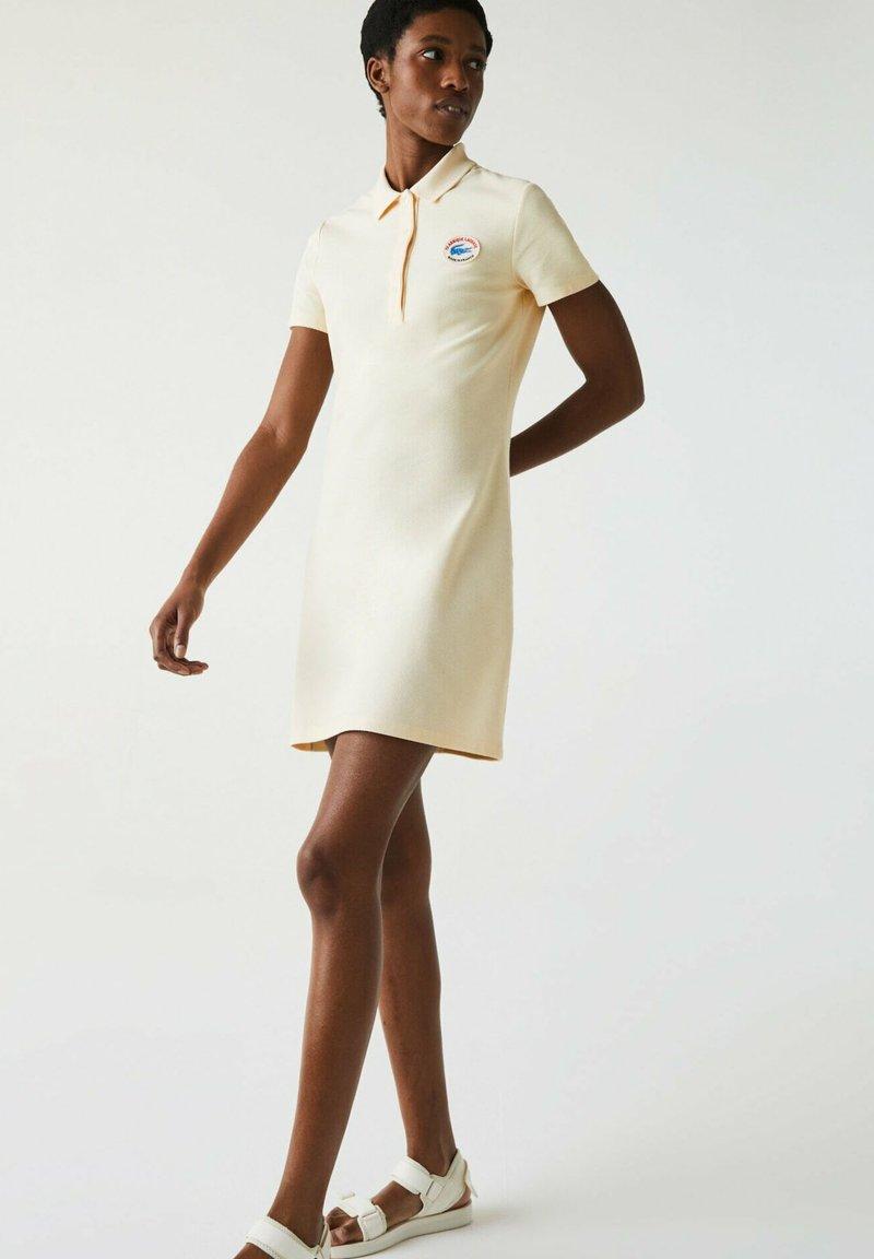 Lacoste - JURK - Shift dress - beige