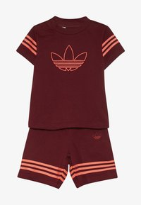 adidas Originals - OUTLINE SET - Short - burgundy - 3
