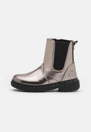 ELLISH SHINE UNISEX - Hiking shoes - silver/black