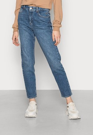 HIGH RISE MOM JEANS - Relaxed fit jeans - mid blue wash