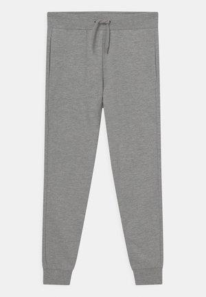 NKNFALKE UNISEX - Pantalones deportivos - grey