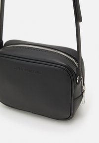 Calvin Klein Jeans - CAMERA BAG - Bandolera - black - 3