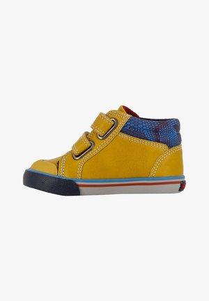 Zapatos de bebé - yellow