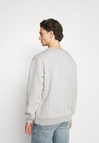 Nominal - FREDA KAHLO HEART CREW - Sweatshirt - grey marl - 2
