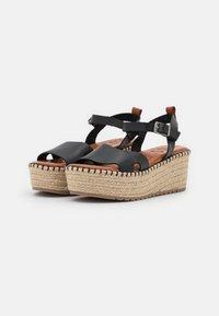 Musse & Cloud - CUCA - Sandály na platformě - black - 2