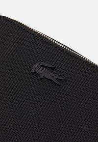 Lacoste - CHANTACO - Across body bag - noir - 3
