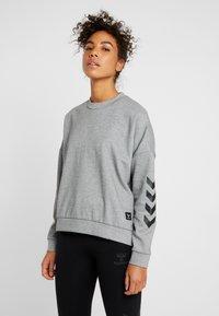 Hummel - HMLESSI  - Sweater - grey melange - 0