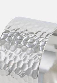 Pieces - PCPANNY BRACELET CUFF - Bracelet - silver-coloured - 2