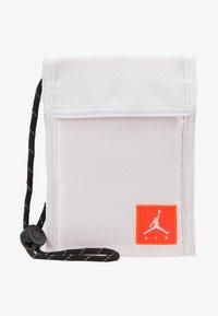 Jordan - TRI FOLDPOUCH - Wallet - white/infrared - 6