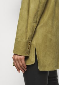 Bally - LUX SUMMER - Short coat - khaki - 6