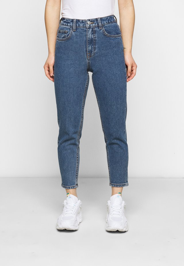 OBJVINNIE MOM JEANS - Jeans straight leg - medium blue denim