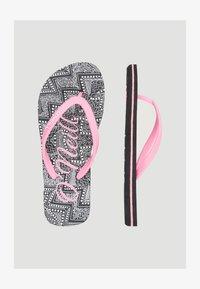 O'Neill - Pool shoes - black aop w/ white - 1