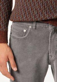 Pierre Cardin - Trousers - grau - 4