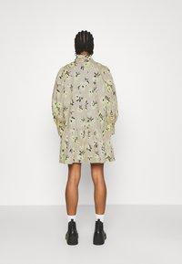 EDITED - RYLEE DRESS - Shirt dress - beige/mischfarben - 2