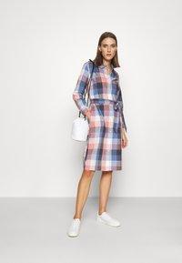 Barbour - TERN CHECK DRESS - Sukienka koszulowa - oyster pink - 1