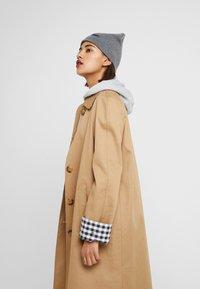 Calvin Klein - CLASSIC BEANIE - Muts - grey - 4