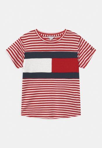 STRIPE   - Print T-shirt - deep crimson/white