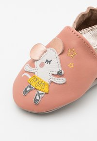 Robeez - BALLET MOUSE - First shoes - rose/peche metal - 5