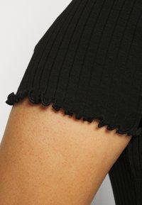 Even&Odd Curvy - Žerzejové šaty - black - 3