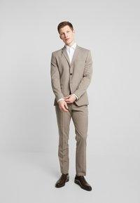 Seidensticker - SLIM SPREAD KENT PATCH - Kostymskjorta - light blue - 1