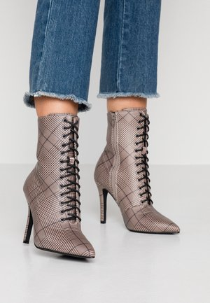 EMERY - High heeled ankle boots - grey