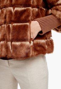 s.Oliver BLACK LABEL - Winterjacke - fake fur - 4