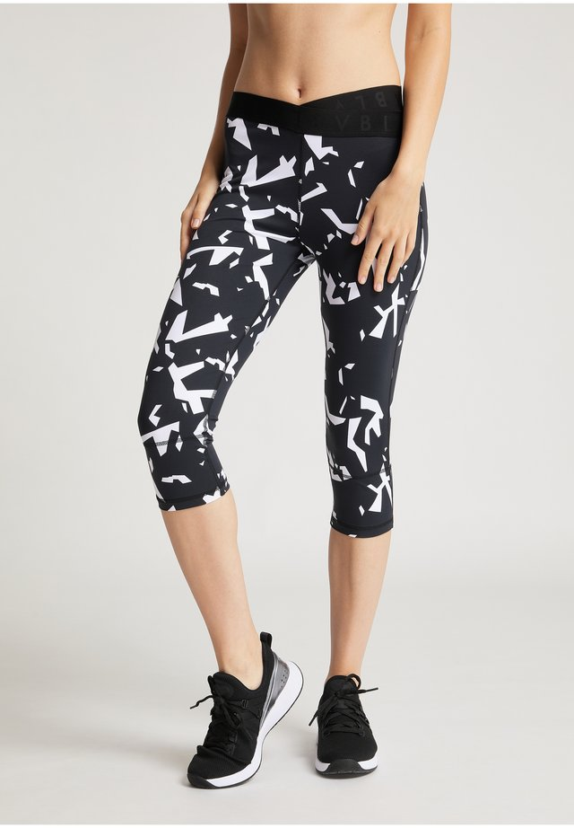 VB_DEBRA - 3/4 sports trousers - aop fragment forms black_white