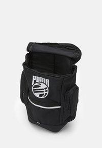 Puma - BASKETBALL BACKPACK - Batoh - black - 2