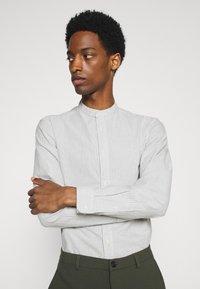 Selected Homme - SLHSLIMMILTON STRIPES - Formal shirt - sky blue - 3
