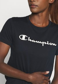 Champion - CREWNECK LEGACY - Print T-shirt - navy - 5