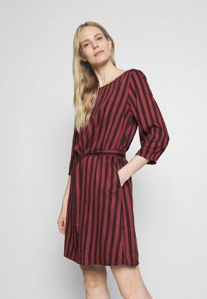 STRIPED DRESS - Day dress - toffee