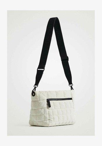 Across body bag - cream