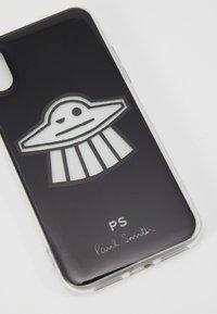 PS Paul Smith - CLIP UFO - Obal na telefon - black - 2