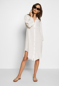 Seafolly - BEACH EDIT OVERSIZE BEACH COVER UP - Complementos de playa - off white - 1