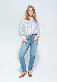 Violeta by Mango - SUSAN - Slim fit jeans - medium blue - 1