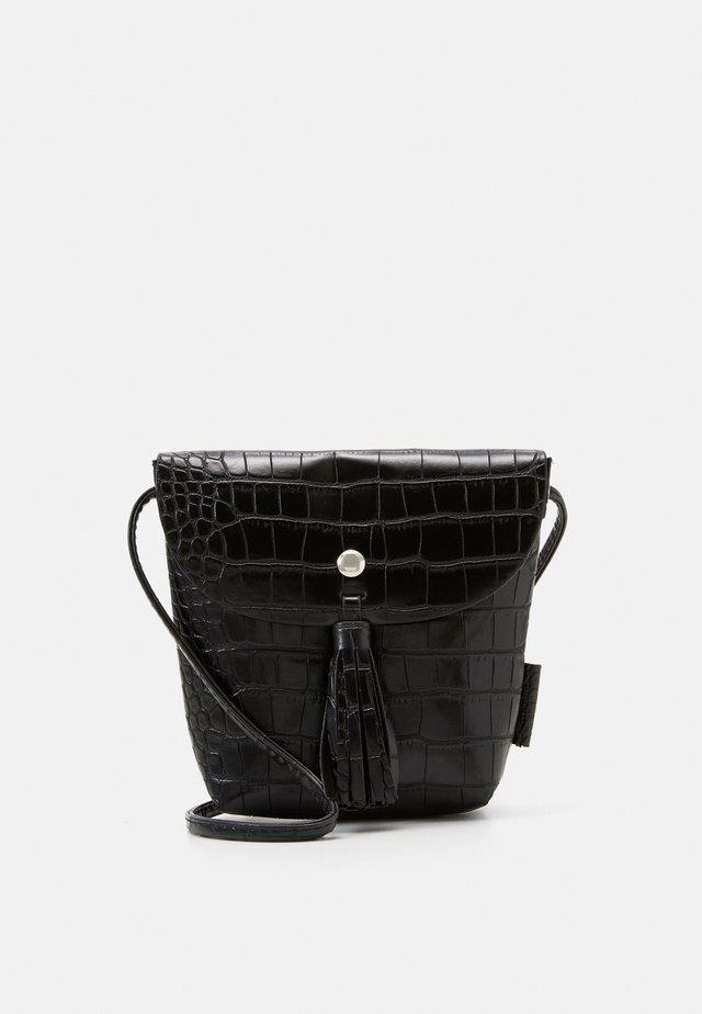IDA CROC - Across body bag - black