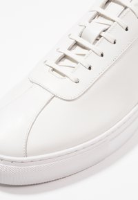 Grenson - Zapatillas - white - 5