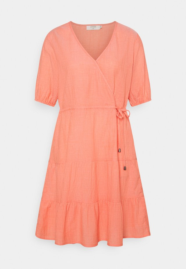 CRYLIA DRESS - Korte jurk - peach echo