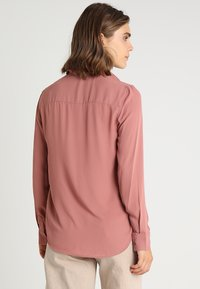 New Look - PLAIN LEAD - Button-down blouse - dusty pink - 2